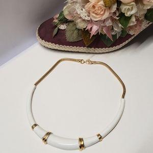 Elegant Vintage White & Gold Necklace